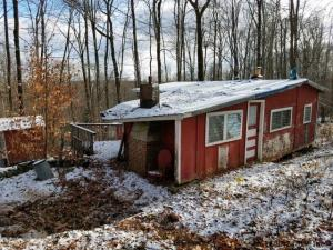 32 Hoffman Rd, Middle Grove, NY 12850