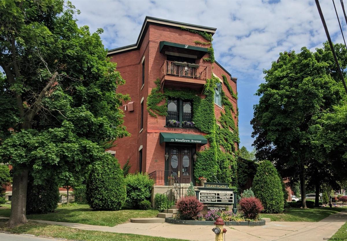 Saratoga S image 1