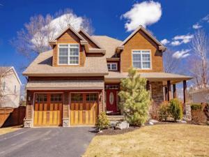 4 Joshua Rd, Saratoga Springs, NY 12866-5152