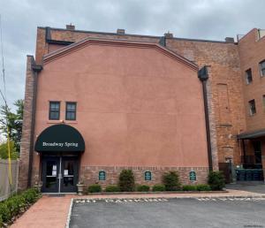 5 Spring St, Saratoga Springs, NY 12866