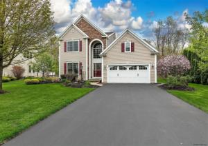 9 Quince Ct, Clifton Park, NY 12065-7241