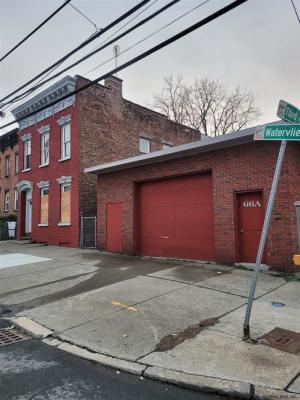 66 Watervliet Av, Albany, NY 12206