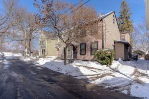 24 North St, Schenectady, NY 12305