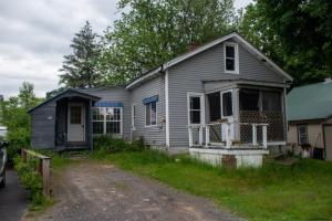 109 South Pine St, Gloversville, NY 12078