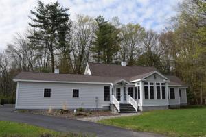5 Putnam La, Saratoga Springs, NY 12866-5725