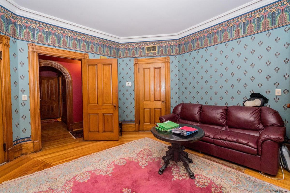 Saratoga S image 23