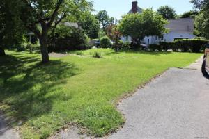 Old Post Rd, Hyde Park, NY 12580