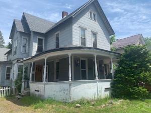 77 Prospect Av, Gloversville, NY 12078