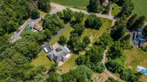 71 Old Schuylerville Rd, Saratoga Springs, NY 12866