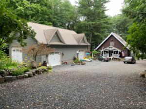 495 Bunker Hill Rd, Mayfield, NY 12117