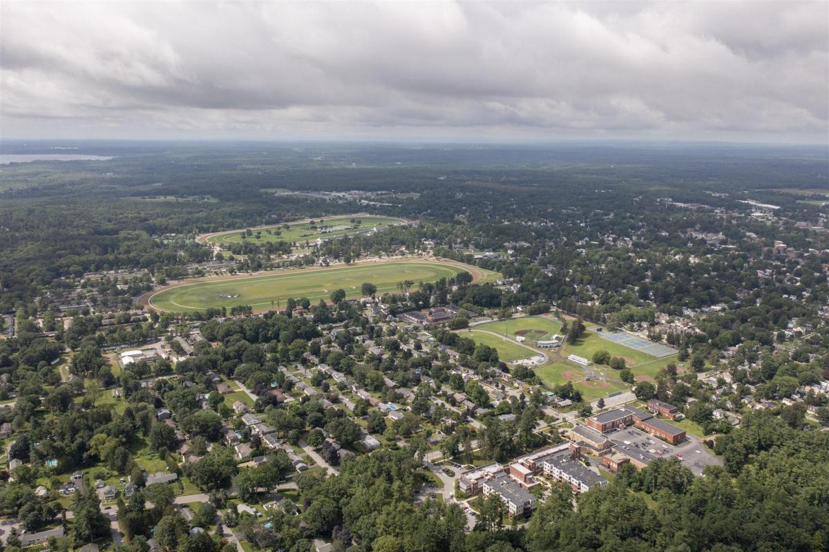 Saratoga S image 14