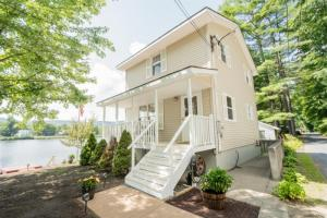 Roohan Realty Property in Lake Luzerne