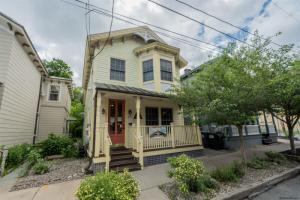 58 Henry St, Saratoga Springs, NY 12866