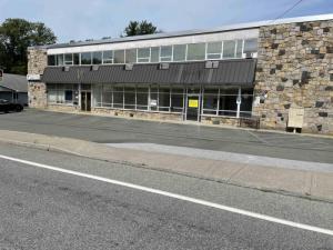 35 Fuller Rd, Albany, NY 12205
