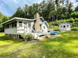 28 Assembly Point Rd, Lake George, NY 12804