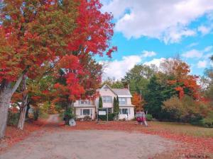 196 Main St, North Creek, NY 12853