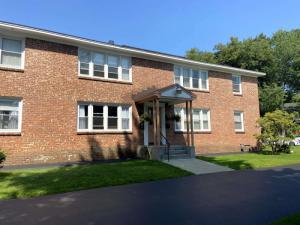494 Kenwood Av, Delmar, NY 12159-9547