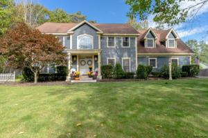 11 Whispering Pines Way, Queensbury, NY 12804
