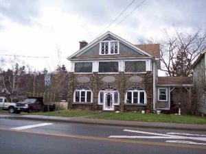 52 Bloomingdale Av, Saranac Lake, NY 12983